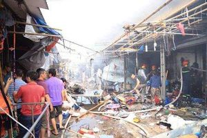 Hà Nội: Cháy lớn ở chợ Tó Đông Anh