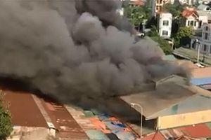 Cháy ngùn ngụt tại chợ Tó, Đông Anh, Hà Nội