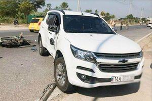 Xe máy đâm ô tô bán tải, 2 người thương vong ở Quảng Ninh