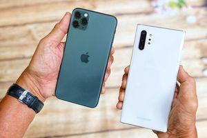 iPhone 11 Pro Max đọ dáng với Galaxy Note10+