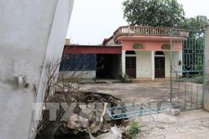 Sụt đất gây đổ nhà cửa, lún nứt đường ngày một nhiều ở Mỹ Đức, Hà Nội