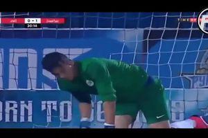 Pha cứu thua kỳ dị của thủ môn Ai Cập chưa từng có trong lịch sử bóng đá
