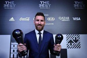 Messi bất ngờ giành giải thưởng Cầu thủ xuất sắc nhất năm của FIFA