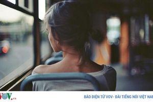 Khó chịu nhất không phải yêu đơn phương mà là mối quan hệ lưng chừng