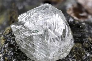 Phát hiện khoáng vật bí ẩn trong viên kim cương Nam Phi