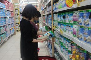 Vì sao Bộ Tài chính không muốn giảm thuế nhập khẩu sữa bột?