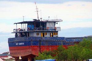 Tàu 3.000 tấn sắp chìm, sẵn sàng ứng phó tràn dầu
