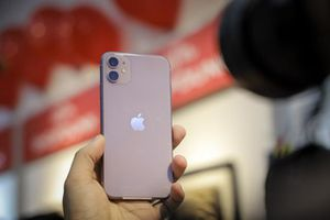 Giá iPhone 11 xách tay bắt đầu giảm mạnh