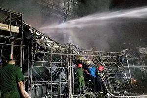 Dập tắt đám cháy lớn trên đường Lê Hồng Phong, Hải Phòng