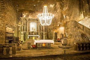 Khám phá nhà thờ dưới lòng đất được xây dựng hoàn toàn từ muối