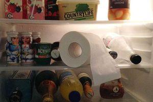 Ngay tối nay hãy đặt cuộn giấy vệ sinh vào tủ lạnh, ngủ dậy bạn sẽ giật mình khi thấy kết quả