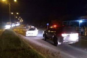 Say rượu, tài xế taxi chặn hàng loạt phương tiện trên QL 1 vì... nghĩ họ đi ngược chiều