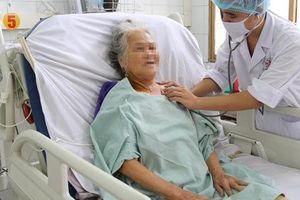 Cụ bà 80 tuổi may mắn thoát chết dù đã hoại tử đến 3m ruột