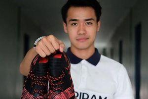 Fan Việt sục sôi tìm info anh chàng cầu thủ U23 Thái Lan vừa điển trai, vừa 'có bàn tay thơm' ở lễ bốc thăm vòng bảng U23 châu Á