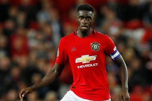 Pogba không đeo băng đội trưởng MU trong ngày tái xuất