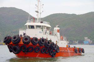 Tiếp nhận thuyền viên bị nạn trên vùng biển Bình Định