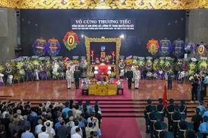 Trang nghiêm tiễn đưa anh hùng phi công Nguyễn Văn Bảy về với đất mẹ