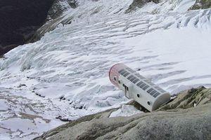 Ý sơ tán khẩn cấp vì 250.00 mét khối băng sắp sụp đổ
