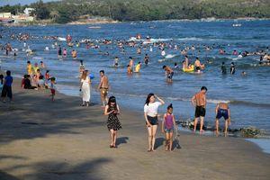 Phan Thiết công bố các khu vực tắm biển an toàn