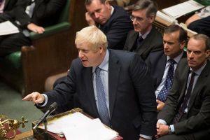 Thủ tướng Anh không từ chức, thách thức Hạ viện