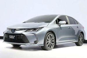 XE HOT (26/9): Toyota Fortuner giảm giá mạnh, 5 ưu điểm nổi bật trên Toyota Corolla Altis 2020