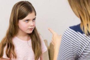 Cha mẹ tức giận khi con gái tuổi mới lớn post ảnh gợi cảm