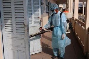 Hàng trăm học sinh ở Cà Mau đồng loạt nhập viện: Nguyên nhân do thay đổi thời tiết?