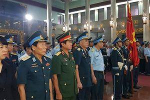 Xúc động tiễn đưa 'Én bạc phương Nam' Nguyễn Văn Bảy về quê nhà