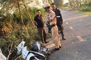 Bị cây bạch đàn đè trúng, một nữ sinh Hải Dương thiệt mạng