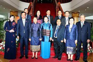 Chủ tịch Quốc hội Nguyễn Thị Kim Ngân hội kiến Thủ tướng, hội đàm với Chủ tịch Quốc hội Lào