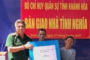 Bộ CHQS tỉnh Khánh Hòa bàn giao nhà tình nghĩa tặng gia đình người có công
