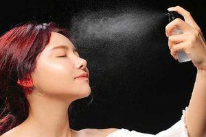 Tự làm xịt khoáng 'xịn sò' cho da dầu bằng nguyên liệu từ thiên nhiên