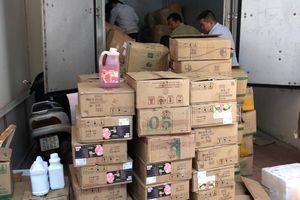 Cảnh sát Hà Nội phát hiện lượng lớn nguyên liệu trà sữa không rõ nguồn gốc