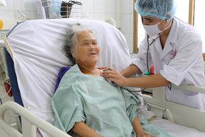 Bị hoại tử 3m ruột, cụ bà 80 tuổi may mắn được cứu sống
