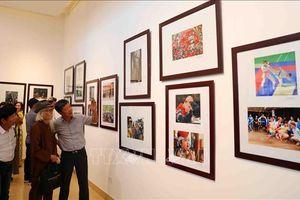 Kỷ niệm 65 năm Ngày Giải phóng Thủ đô: Những hình ảnh sống động về Hà Nội