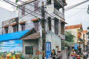 Cận cảnh làng bích họa đầu tiên ở Hà Nội