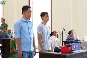 Bắt giam tại tòa đối với 2 cựu Công an đánh chết người