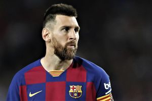 Messi chưa hẹn ngày trở lại Barca vì chấn thương