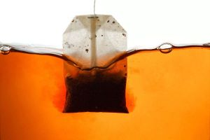 Trà túi lọc bằng nhựa chứa hàng tỷ vi hạt gây hại