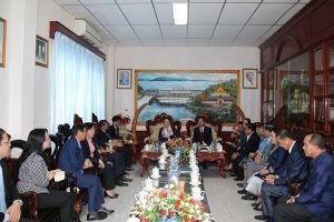 Chủ tịch Quốc hội làm việc tại tỉnh Vientiane