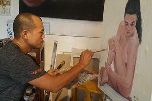 Tròn mắt nghe họa sĩ kể những bí mật trong phòng vẽ tranh cùng mẫu nude