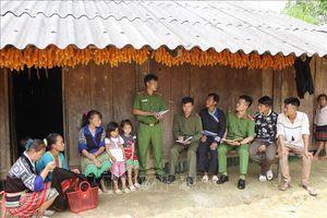 Hiệu quả đưa công an chính quy về cơ sở ở Than Uyên, Lai Châu