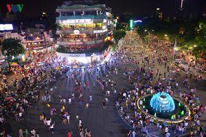 Hà Nội: Phố đi bộ Hồ Gươm sẽ mở cả tháng, không chỉ cuối tuần?