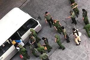 Đột kích ổ bay lắc ở chung cư Sài Gòn, phát hiện hơn 30 người nghi sử dụng ma túy