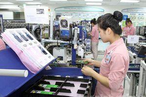 Chuyên gia ADB: Xuất khẩu tốt, tiêu dùng tốt, CPI tốt, công nghiệp tốt, PMI tốt, FDI tốt… nhưng có một điểm nghẽn kìm hãm tăng trưởng kinh tế Việt Nam