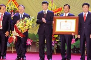 Đông Sơn đón nhận Bằng công nhận huyện đạt chuẩn nông thôn mới