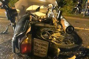 Ông lão tử vong khi 2 xe máy tông nhau trong đêm