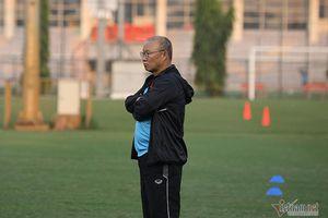 Thầy Park lo gì?; CĐV Việt Nam tại Hà Lan tới sân cổ vũ Văn Hậu