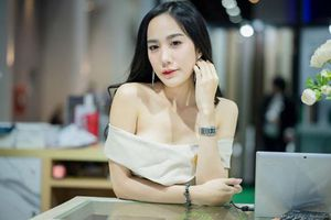 'Đứng hình' trước body của nữ ca sĩ thần tượng Thái Lan