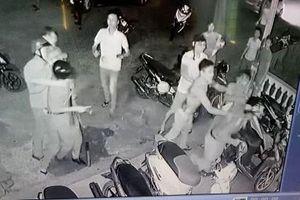 Nhóm giang hồ hỗn chiến, chém 3 cảnh sát bị thương